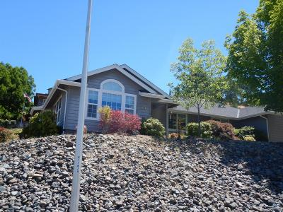 Grants Pass OR Single Family Home For Sale: $389,900