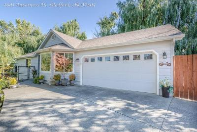 Medford Single Family Home For Sale: 1601 Inverness Drive