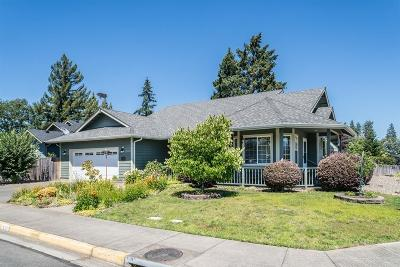 Grants Pass OR Single Family Home For Sale: $319,000