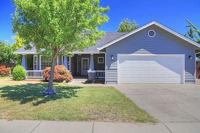 Merlin, Sunny Valley, Wimer, Rogue River, Wilderville, Grants Pass, Hugo, Wolf Creek, Murphy Single Family Home For Sale: 2948 Golden Aspen Drive