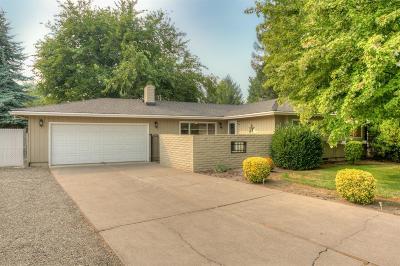 Jackson County, Josephine County Single Family Home For Sale: 746 Hemlock Court
