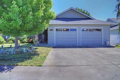 Grants Pass Single Family Home For Sale: 865 Delsie Drive