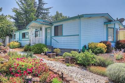 Grants Pass OR Single Family Home For Sale: $194,900