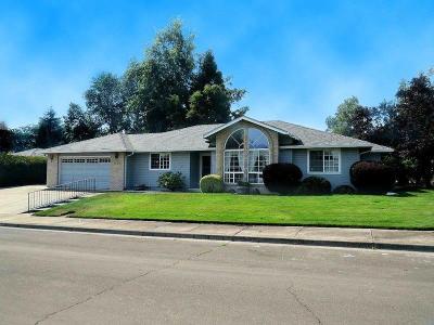Medford Single Family Home For Sale: 1942 Bianca Court