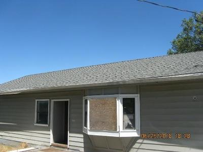 Eagle Point Single Family Home For Sale: 233 Barton Road