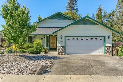 Grants Pass OR Single Family Home For Sale: $274,500