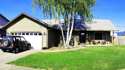Grants Pass OR Single Family Home For Sale: $249,900