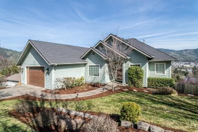 Grants Pass Single Family Home For Sale: 1933 NW Crown Street
