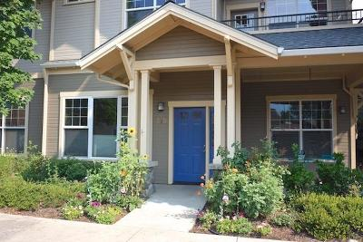 Ashland Condo/Townhouse For Sale: 815 Boulder Creek Lane