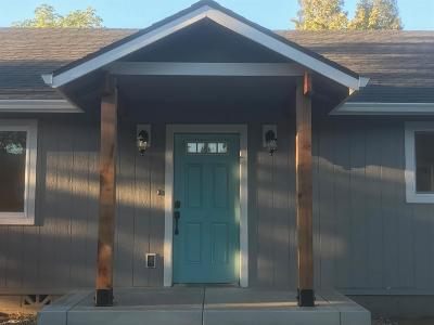 grants pass Single Family Home For Sale: 234 SW High Street