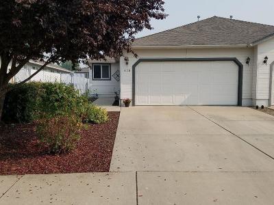 Jackson County, Josephine County Single Family Home For Sale: 438 Crystal Drive