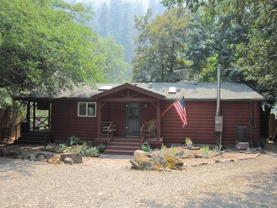 Jackson County, Josephine County Single Family Home For Sale: 25122 Highway 62