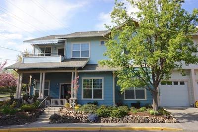 Ashland Condo/Townhouse For Sale: 823 Boulder Creek Lane