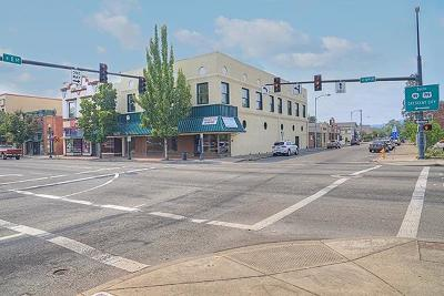 Grants Pass OR Commercial For Sale: $999,000