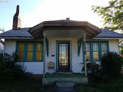 Medford Single Family Home For Sale: 116 Newtown Street