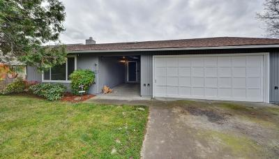 Medford Single Family Home For Sale: 1821 Gene Cameron Way
