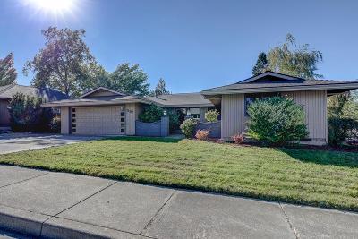 Medford Single Family Home For Sale: 1187 Tara Circle