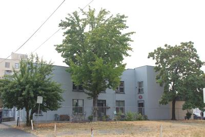 Grants Pass OR Multi Family Home For Sale: $689,999