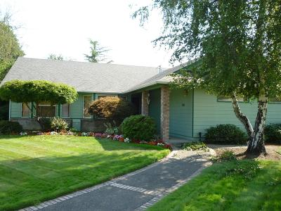 Grants Pass OR Single Family Home For Sale: $359,000