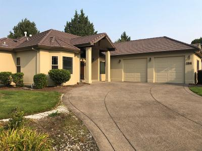 Eagle Point Single Family Home For Sale: 194 Princeville Drive