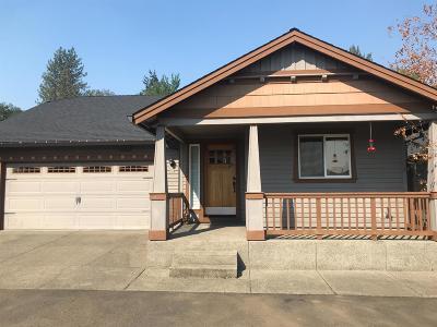 Grants Pass Single Family Home For Sale: 2884 SW Shimmer Lane