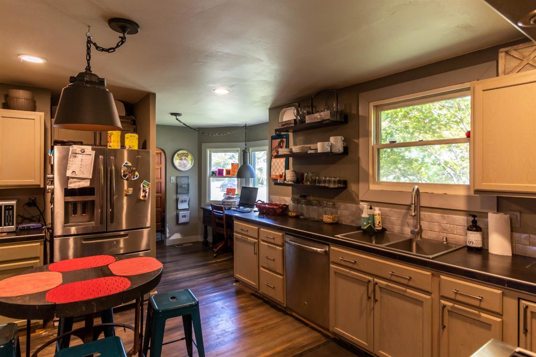Listing: 822 Sherman Street, Medford, OR.  MLS# 2993387   Buy ...
