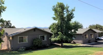 Grants Pass Single Family Home For Sale: 1075 NE Hillcrest Drive