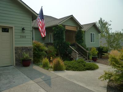 Grants Pass Single Family Home For Sale: 2008 NW Sun View Place