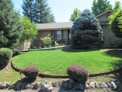 Medford Single Family Home For Sale: 2422 Republic Way