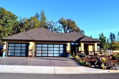 Jackson County, Josephine County Single Family Home For Sale: 1367 Golf Club Drive