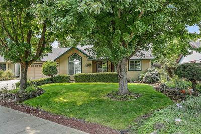 Medford Single Family Home For Sale: 1718 Louise Avenue