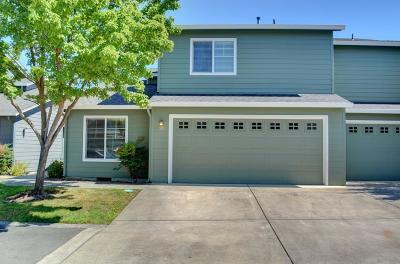 Central Point Single Family Home For Sale: 353 Live Oak Loop