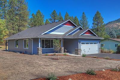 Grants Pass Single Family Home For Sale: 268 Crestview Loop