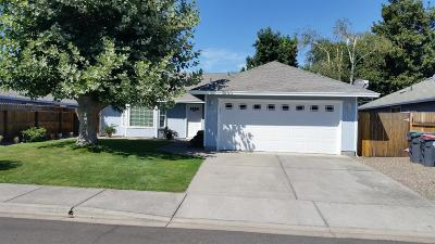 Medford OR Single Family Home For Sale: $245,000