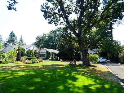 Medford Single Family Home For Sale: 1608 Crown Avenue