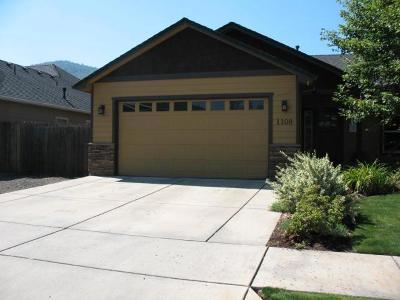 Talent Single Family Home For Sale: 1108 Kamerin Springs Drive