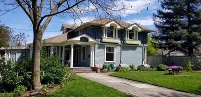Medford Single Family Home For Sale: 11 Corning Court