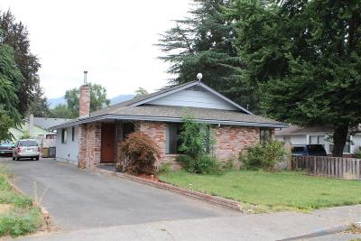Grants Pass Single Family Home For Sale: 320 NE B St. Street