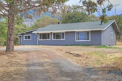 Grants Pass Single Family Home For Sale: 6387 Monument Drive