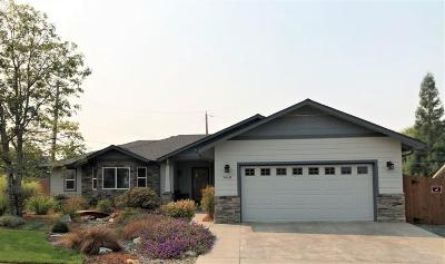 Grants Pass Single Family Home For Sale: 960 SW Harvest Drive