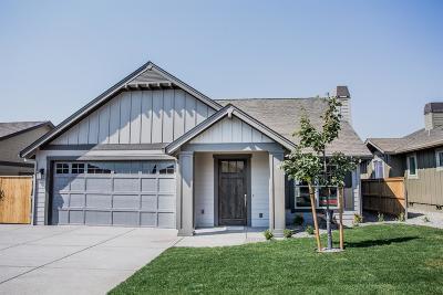 Medford Single Family Home For Sale: 821 Sonoma Court