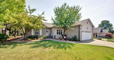 Eagle Point Single Family Home For Sale: 185 Keystone Way