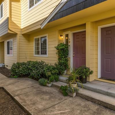 Medford Condo/Townhouse For Sale: 2030 Brookhurst Street #3