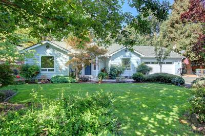 Medford Single Family Home For Sale: 1819 Orchard Home Court