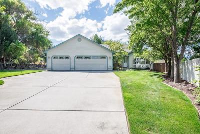 Medford Single Family Home For Sale: 1894 Magnolia Avenue