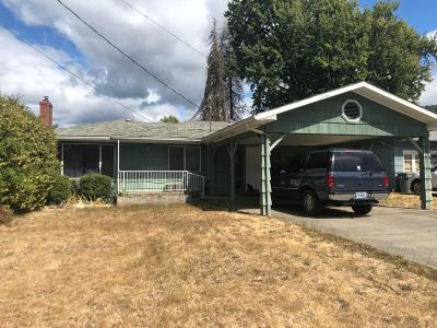 Grants Pass Single Family Home For Sale: 228 NE Steiger Street