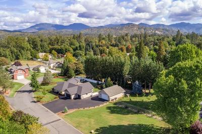 Grants Pass OR Single Family Home For Sale: $635,000