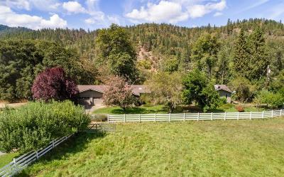 Jackson County, Josephine County Single Family Home For Sale: 2726 Eastside Drive