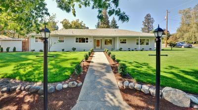 Medford Single Family Home For Sale: 15 N Groveland Avenue