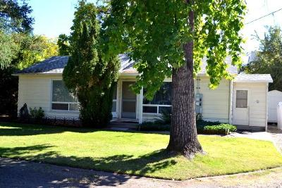 Grants Pass OR Multi Family Home For Sale: $699,000